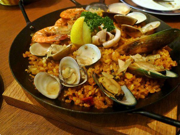 台北、大安美食|PS TAPAS 西班牙餐酒館.推西班牙海鮮海鮮鍋飯(西班牙海鮮燉飯)、似Quiche鹹派西班牙烘蛋,忠孝敦化站美食