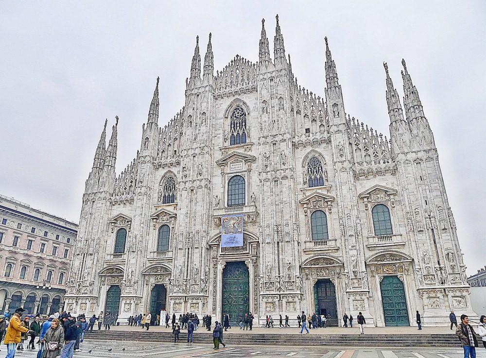 義大利自助、米蘭景點|米蘭大教堂.潔白大理石山、世界上最大哥德式教堂之一