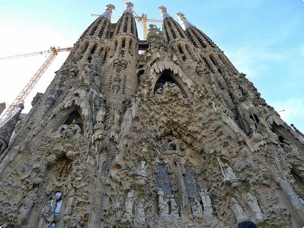 [西班牙遊記] 聖家堂 Sagrada Família-站在誕生立面前就像翻閱聖經一般 高第博物館 高第工作室 留給後人的贖罪教堂