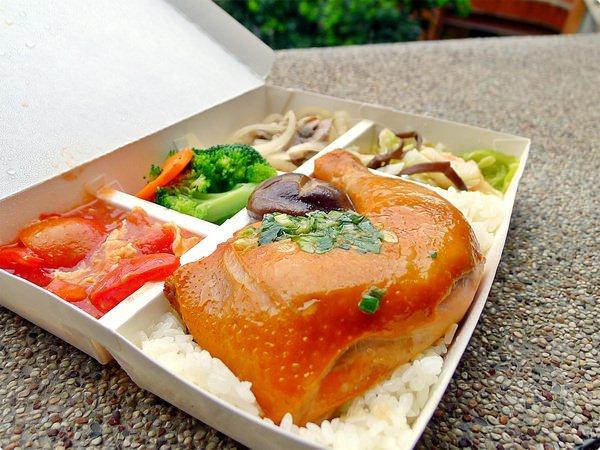 [食誌]花蓮縣壽豐.理想大地合作店家便當、村上春宿早餐 Lunch Box and the complimentary breakfast of Murakami Inn
