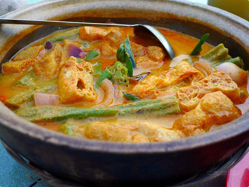 [馬新食誌] 77咖喱蔬菜煲與洪記燒雞翅膀(6) -食得福美食中心 在地人的食堂 網羅各式平價美味小吃 77 Curry Vegetable Pot and Hong Kee Baked Chicken Wings(6), Johor Bahru