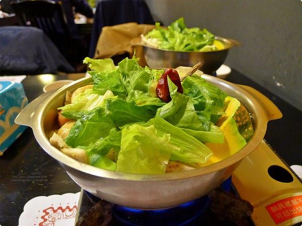 [食記] 三國群鍋-三國人物主題鍋物小店 最愛黃忠咖喱鍋 南港美食 San-Guo-Qun-Guo Hotpot
