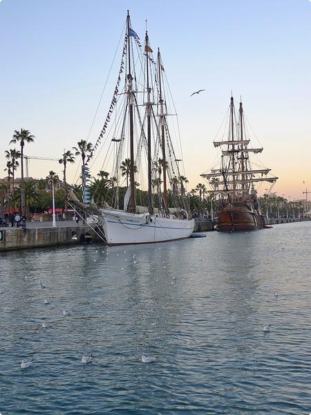 [西班牙遊記] 貝爾港 巴特略之家-港邊的仿古聖瑪莉亞號 世上唯一一座未手指向美洲的哥倫布雕像 巴特樓之家 陸地上的海洋城堡 如美人魚的海殿 Port Vell and Casa Batlló