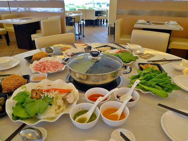 [馬新食記] 四季園火鍋店-大骨湯 藥膳湯 吃冰吃點心配火鍋 優質的用餐環境 Shi-Ki Garden