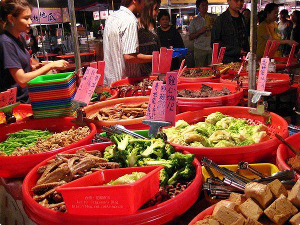 [食誌]台南市.花園夜市小吃 Local Foods at Tainan Flower Nightmarket