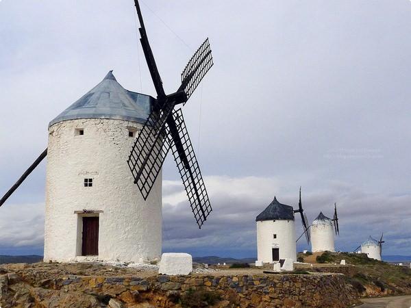 [西班牙遊記] 拉曼查追風車 康斯埃古拉風車群-山丘上排排站的風車 世世代代家族風車 The windmills of Consuegra